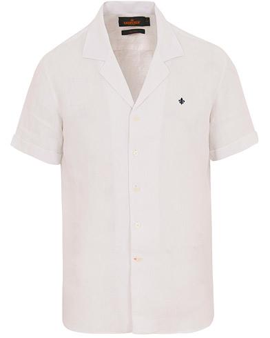Morris Douglas Linen Short Sleeve Shirt White i gruppen Kläder / Skjortor / Kortärmade skjortor hos Care of Carl (14677011r)