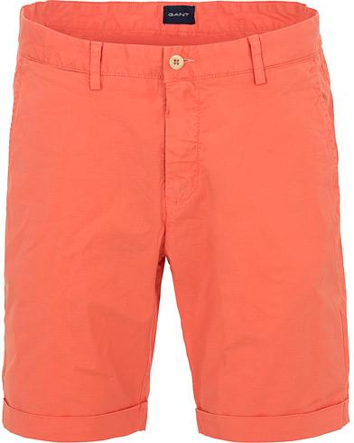 GANT Regular Sunbleached Shorts Strong Coral i gruppen Kläder / Shorts / Chinosshorts hos Care of Carl (14697311r)
