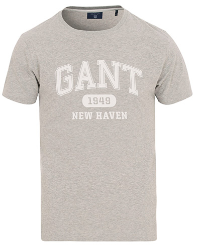 GANT The Summer Logo Tee Light Grey Melange i gruppen Kläder / T-Shirts / Kortärmade t-shirts hos Care of Carl (14706311r)