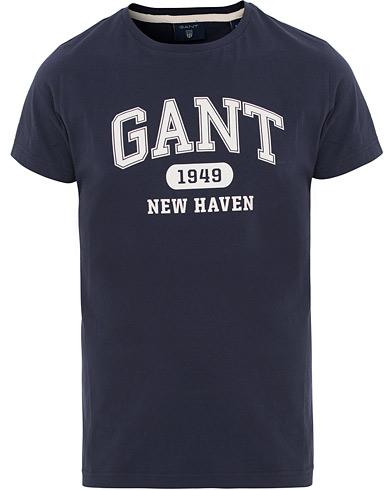GANT The Summer Logo Tee Classic Blue i gruppen Tøj / T-Shirts / Kortærmede t-shirts hos Care of Carl (14706511r)