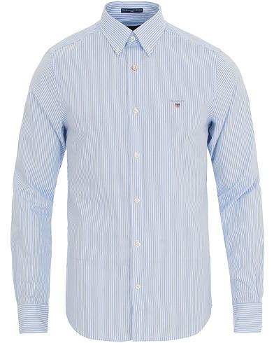 GANT Slim Fit Poplin Stripe Shirt Capri Blue i gruppen Klær / Skjorter / Casual / Casual skjorter hos Care of Carl (14709511r)