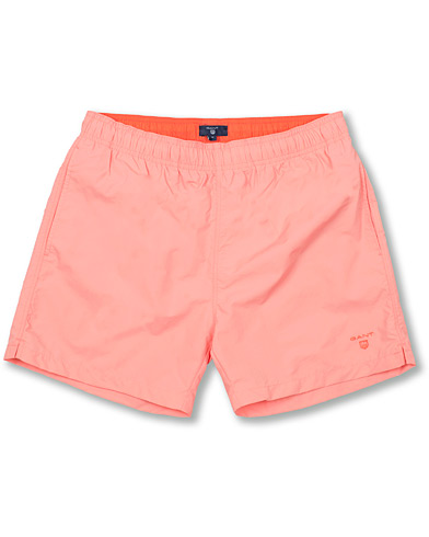 GANT Classic Swim Shorts Basic Strawberry Pink i gruppen Klær / Badeshorts hos Care of Carl (14710511r)