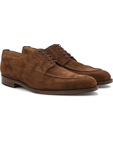 Loake 1880 Legacy Avon Derby Split Toe Brown Suede i gruppen Skor / Derbys hos Care of Carl (14770711r)