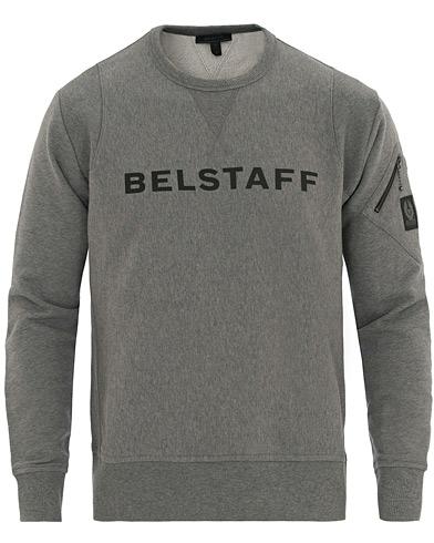 Belstaff Carrick Crew Neck Logo Sweatshirt Grey i gruppen Tøj / Trøjer / Sweatshirts hos Care of Carl (14780511r)