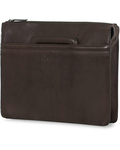 Oscar Jacobson Leather Briefolio Dark Brown  i gruppen Assesoarer / Vesker / Dokumentmapper hos Care of Carl (14817010)