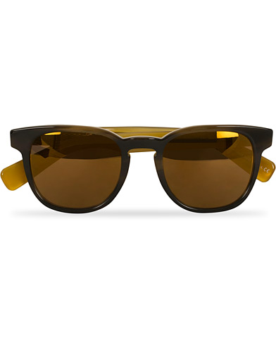 Paul Smith Hadrian Sunglasses Black Horn/Gold  i gruppen Assesoarer / Solbriller / Buede solbriller hos Care of Carl (14848410)