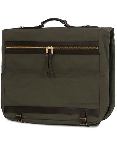 Filson Garment Bag Otter Green Canvas  i gruppen Accessoarer / Väskor / Kostymfodral hos Care of Carl (14880110)