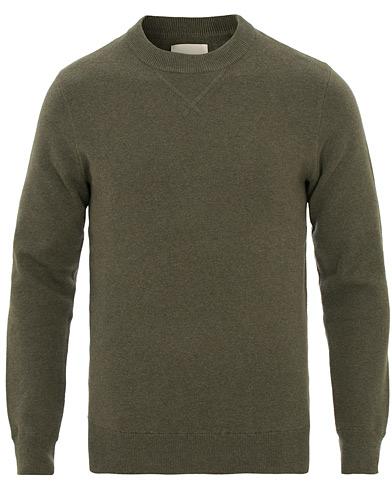 A Day's March Milano Knit Sweater Army Melange i gruppen Klær / Gensere / Strikkede gensere hos Care of Carl (14911211r)
