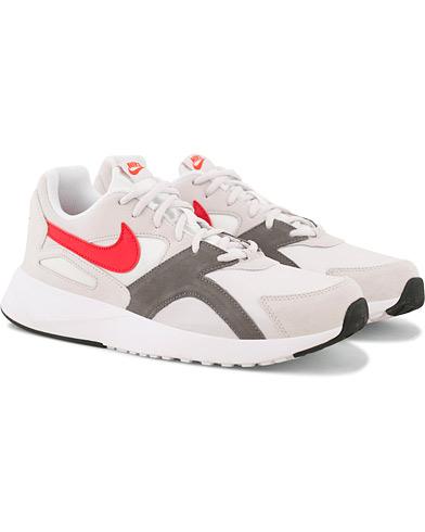 Nike Pantheon Running Sneaker White i gruppen Sko / Sneakers / Running sneakers hos Care of Carl (14952111r)
