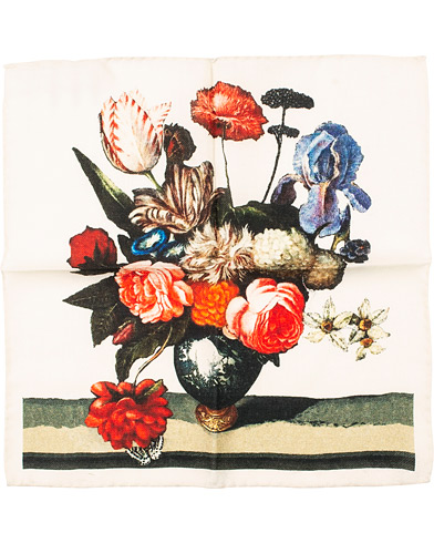 Amanda Christensen Wool Printed Flower Pocket Square White  i gruppen Tilbehør / Lommeklude hos Care of Carl (14985110)