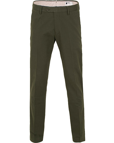 NN07 Theo 1178 Stretch Chinos Dark Army i gruppen Klær / Bukser / Chinos hos Care of Carl (14989111r)