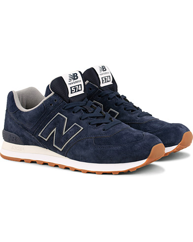 New Balance 574 Running Sneaker Navy Suede i gruppen Sko / Sneakers / Running sneakers hos Care of Carl (15007011r)