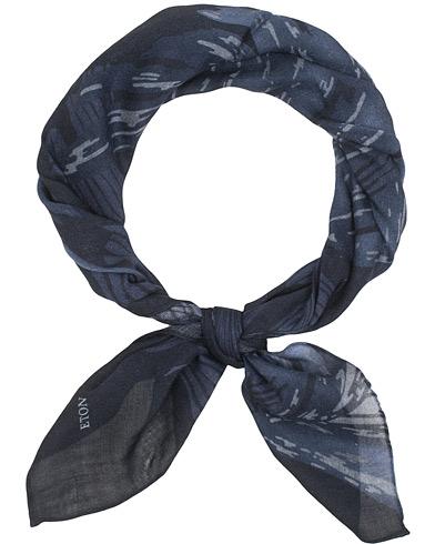 Eton Wool Printed Bandana Navy  i gruppen Assesoarer / Scarves hos Care of Carl (15013410)
