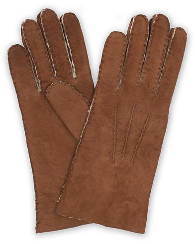 Hestra Lambskin Suede Handsewn Glove Brown i gruppen Assesoarer / Hansker hos Care of Carl (15015111r)