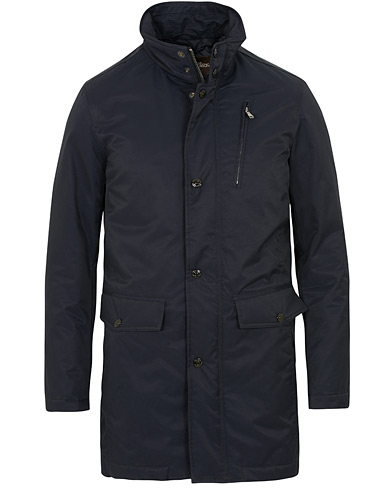 Oscar Jacobson Danton Water Repellent Coat Navy i gruppen Kläder / Jackor / Rockar hos Care of Carl (15066711r)