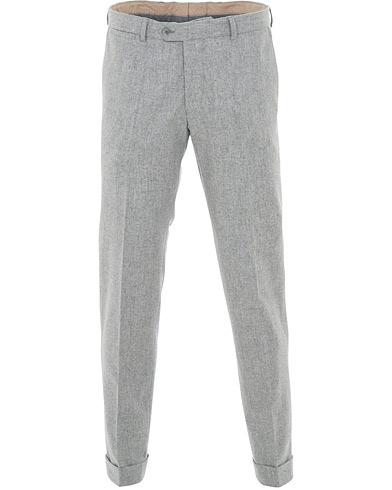 Oscar Jacobson Dean Turn Up Flannel Trousers Light Grey i gruppen Klær / Bukser / Flanellbukser hos Care of Carl (15069211r)