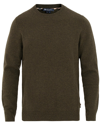 Aquascutum Lance Lambswool Elbow Patch Crew Neck Military Green i gruppen Kläder / Tröjor / Stickade tröjor hos Care of Carl (15108511r)