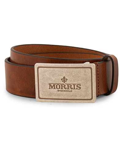 Morris Leather Plated Logo Belt Brown i gruppen Accessoarer / Bälten / Släta bälten hos Care of Carl (15125211r)