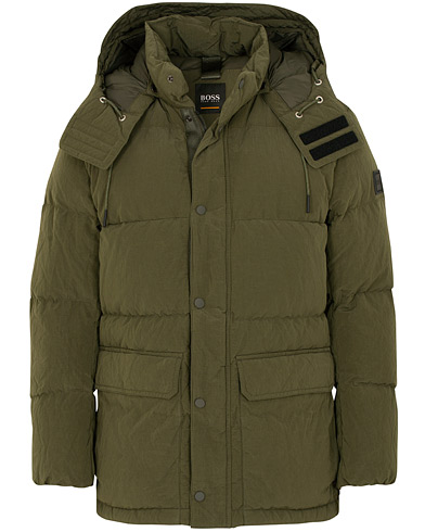 BOSS Casual Omer Hooded Down Jacket Dark Green i gruppen Tøj / Jakker / Forede jakker hos Care of Carl (15153811r)