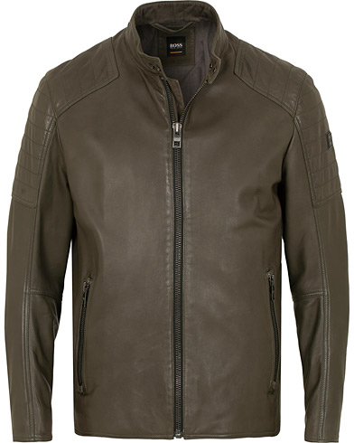 BOSS Casual Jaysee Biker Leather Jacket Dark Green i gruppen Kläder / Jackor / Skinnjackor hos Care of Carl (15154111r)