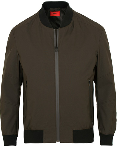 HUGO Boris Down Bomber Jacket Dark Green i gruppen Klær / Jakker / Bomberjakker hos Care of Carl (15158811r)