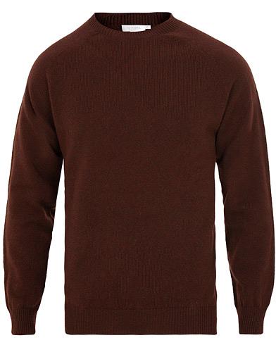 Sunspel Lambswool Crew Neck Brown i gruppen Kläder / Tröjor / Stickade tröjor hos Care of Carl (15202111r)