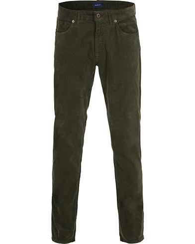 GANT Slim Cord Jeans Country Green i gruppen Klær / Bukser / Cordfløyelbukse hos Care of Carl (15214011r)