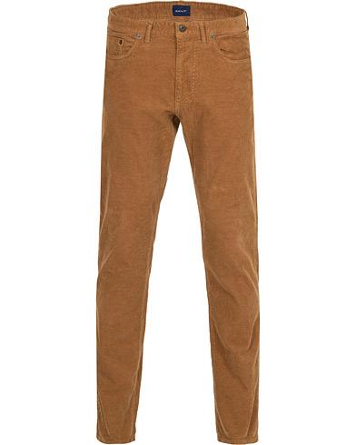 GANT Slim Cord Jeans Roasted Walnut i gruppen Klær / Bukser / Cordfløyelbukse hos Care of Carl (15214111r)