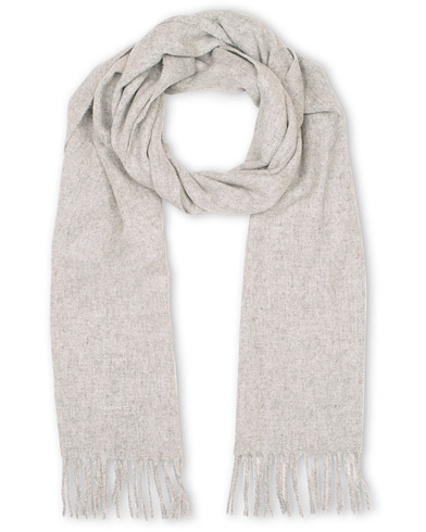 GANT Solid Lambswool Scarf Light Grey Melange  i gruppen Accessoarer / Halsdukar hos Care of Carl (15216410)