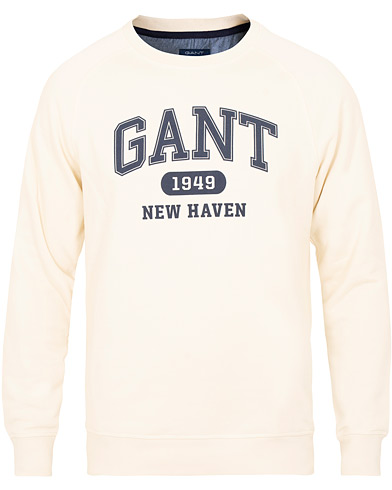 GANT Fall Logo Crew Neck Sweatshirt Off White i gruppen Kläder / Tröjor / Sweatshirts hos Care of Carl (15216711r)