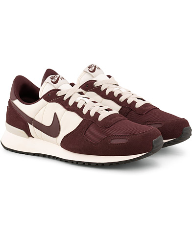 Nike Air Vortex Running Sneaker Wine Red/White i gruppen Sko / Sneakers / Running sneakers hos Care of Carl (15234811r)