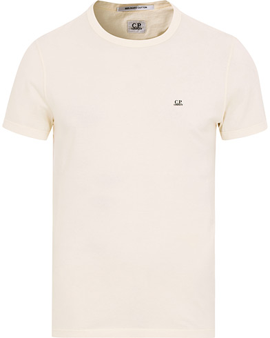 C.P. Company Short Sleeve Logo T-Shirt Off White i gruppen Klær / T-Shirts / Kortermede t-shirts hos Care of Carl (15239511r)