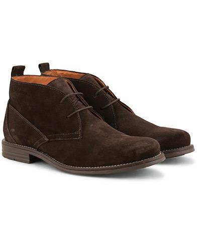Henri Lloyd Windsor Chukka Boot Coffee Suede i gruppen Skor / Kängor / Chukka boots hos Care of Carl (15243111r)