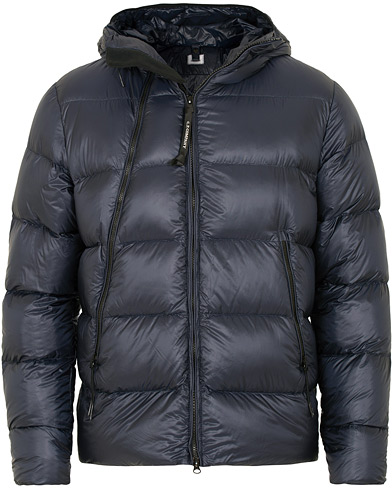 C.P. Company Down Hooded Jacket Navy i gruppen Klær / Jakker / Dunjakker hos Care of Carl (15245811r)