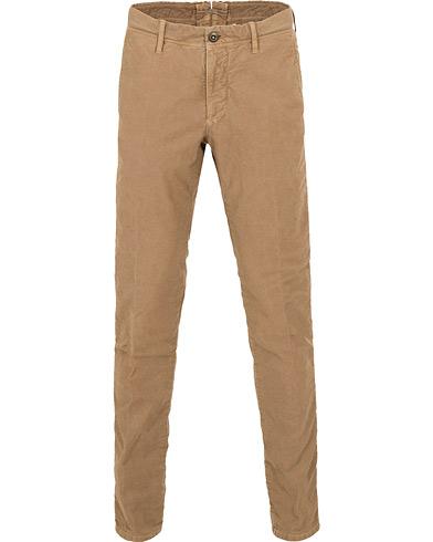 Incotex Slim Fit Garment Dyed Washed Slacks Khaki i gruppen Klær / Bukser / Chinos hos Care of Carl (15247311r)