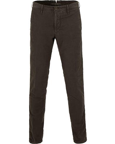 Incotex Slim Fit Garment Dyed Washed Slacks Dark Brown i gruppen Kläder / Byxor / Chinos hos Care of Carl (15247611r)
