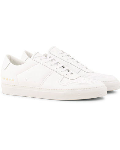 Common Projects B Ball Sneakers White Calf i gruppen Sko / Sneakers / Sneakers med lavt skaft hos Care of Carl (15251411r)