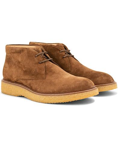 Tod's Crepe Sole Chukka Boot Medium Brown Suede i gruppen Sko / Støvler / Chukka boots hos Care of Carl (15265511r)