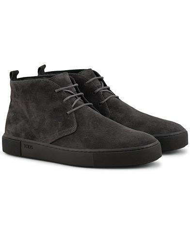 Tod's Polacco Casetta Chukka Boot Grey Suede i gruppen Skor / Kängor / Chukka boots hos Care of Carl (15266311r)