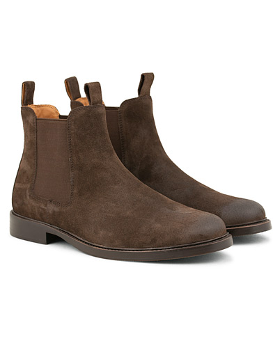 Polo Ralph Lauren Normanton Suede Chelsea Boot Dark Brown i gruppen Sko / Støvler / Chelsea boots hos Care of Carl (15301511r)