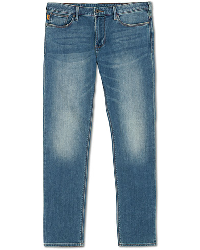 Emporio Armani Slim Fit Jeans Light Blue i gruppen Kläder / Jeans / Smala jeans hos Care of Carl (15314311r)
