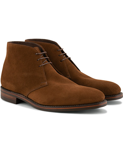 Loake 1880 Pimlico Chukka Boot Brown Suede i gruppen Skor / Kängor / Chukka boots hos Care of Carl (15350211r)