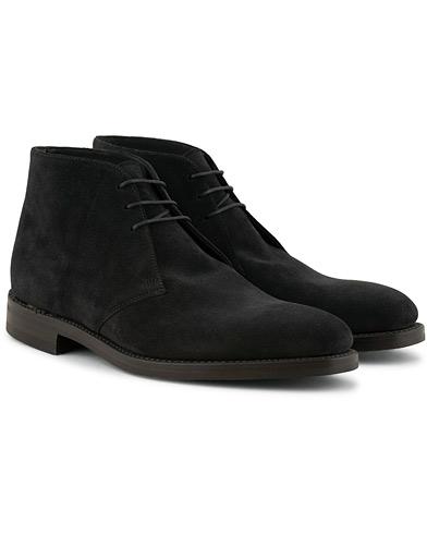 Loake 1880 Pimlico Chukka Boot Black Suede i gruppen Sko / Støvler / Chukka boots hos Care of Carl (15350311r)