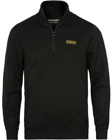 Barbour International Half Zip Track Sweater Black i gruppen Kläder / Tröjor / Zip-tröjor hos Care of Carl (15415311r)