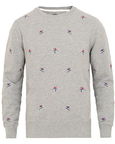 GANT Woven Skier Crew Neck Sweatshirt Grey Melange i gruppen Kläder / Tröjor / Sweatshirts hos Care of Carl (15449211r)