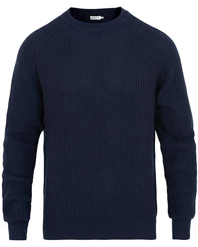 Filippa K Wave Stitch Sweater Navy i gruppen Klær / Gensere / Strikkede gensere hos Care of Carl (15457411r)