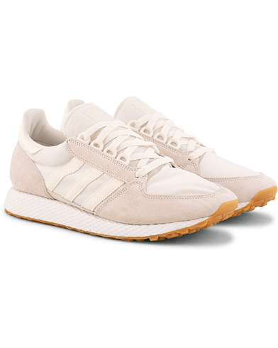 adidas Originals Forest Grove Sneaker Cloud White i gruppen Skor / Sneakers / Running sneakers hos Care of Carl (15461911r)