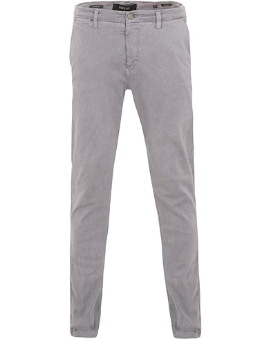 Replay Zeumar Hyperflex Chiino Iron Grey i gruppen Kläder / Byxor / Chinos hos Care of Carl (15493911r)