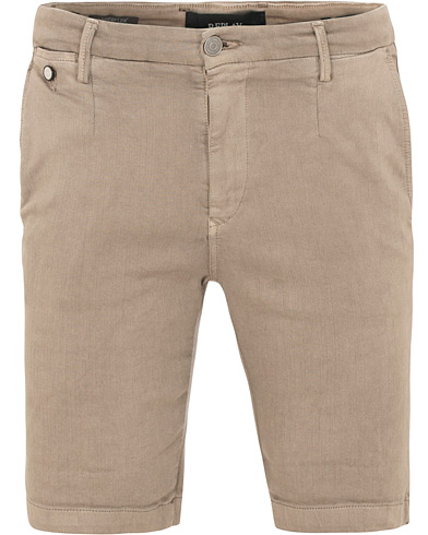 Replay Lehoen Hyperflex Chinoshorts Sand i gruppen Kläder / Shorts / Chinosshorts hos Care of Carl (15495211r)