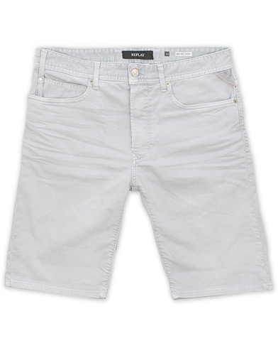 Replay Anbass Jeanshorts Light Grey i gruppen Kläder / Shorts / Jeansshorts hos Care of Carl (15495311r)